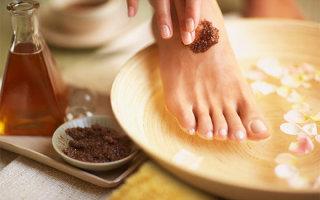 Обзор домашних рецептов скрабов для кожи ног