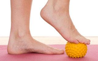 Обзор эффективных упражнения и ЛФК для лечения и профилактики плоскостопия у взрослых