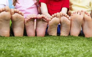 Как проверить плоскостопие у ребенка и провести диагностику в домашних условиях