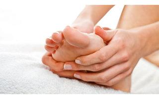 Причины появления и методы лечения косточки на мизинце