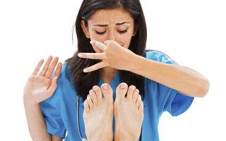 Обзор проверенных средств от потливости и неприятного запаха ног