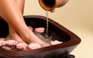 Какими лечебными свойствами обладают домашние ванночки для ног с содой