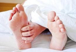 Чешутся ступни ног: причины, лечение и профилактика