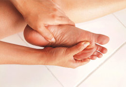 Обзор домашних методов лечения и удаления шипиц на стопе