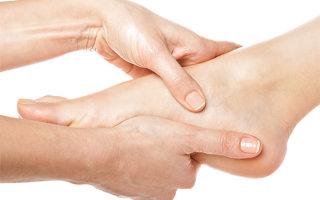 Необходимость ортопедических ковриков и массажа при вальгусной деформации стопы