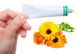 Мазь календулы и витамин А для кожи пяток: рецепты и эффективность