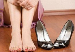 Водянистая мозоль на ноге: что делать и как лечить