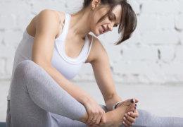 Папиллома на подошве ноги: способы удаления и профилактика появления