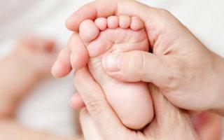 Почему у ребенка трескается кожа на пальцах ног и как их избежать