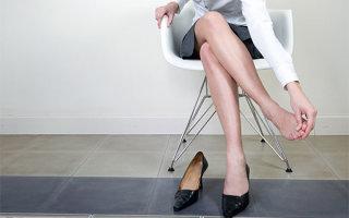 Какая нужна обувь при вальгусной установке стоп: правила выбора и ношения