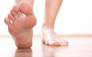 Причины возникновения и возможные осложнения косточек на ногах