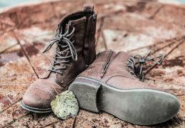 Какое средство поможет избавиться от запаха в обуви