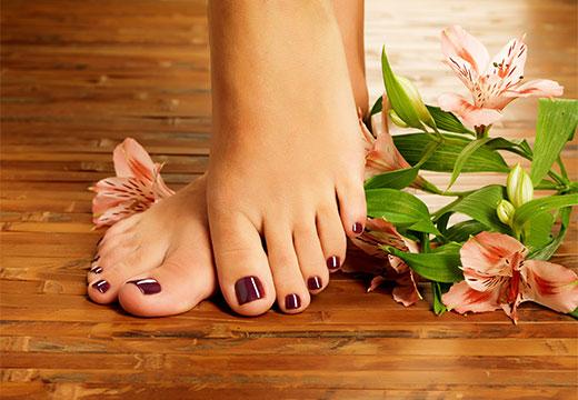 Ноги и цветы