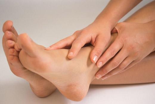 мозоли на ступнях и пятках у женщины