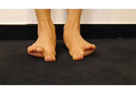 Движения пальцами ног