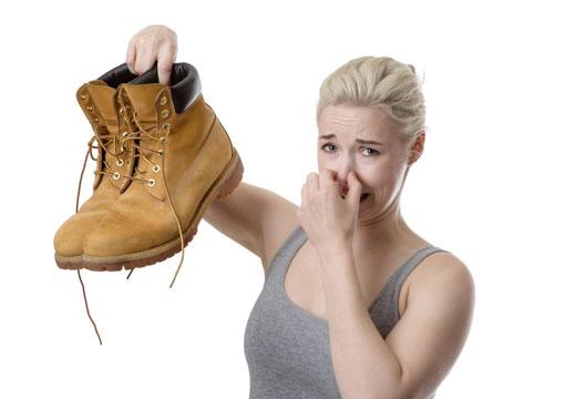 Воняет обувь